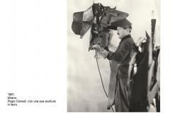 10.-1961-consoli-e-una-scultura-in-ferro
